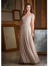 Beaded Lace Appliques on Chiffon Evening Dress